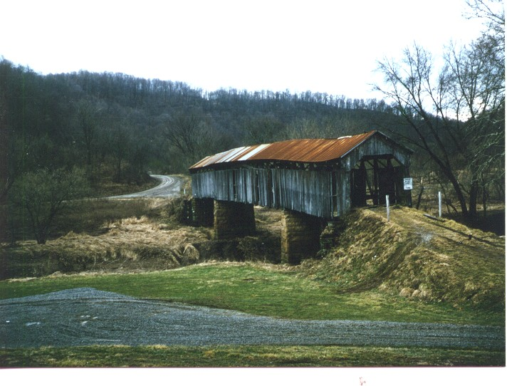 Covered Bridge S Byway.jpg (118653 bytes)